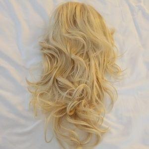 FULL WIG Long light blonde wavy full wig